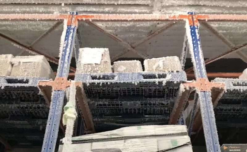 Cold storage warehouse plastic pallets