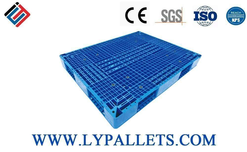 Reversible Grid surface stack able plastic pallets