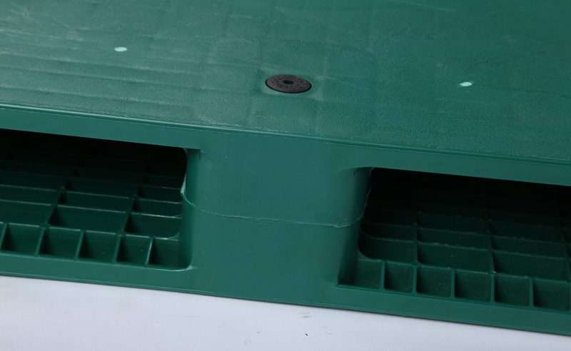 Double deck flat plastic pallets