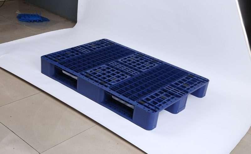 Euro rack able plastic pallets 80x120