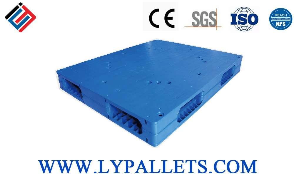 Flat surface reversible plastic pallets 120x100
