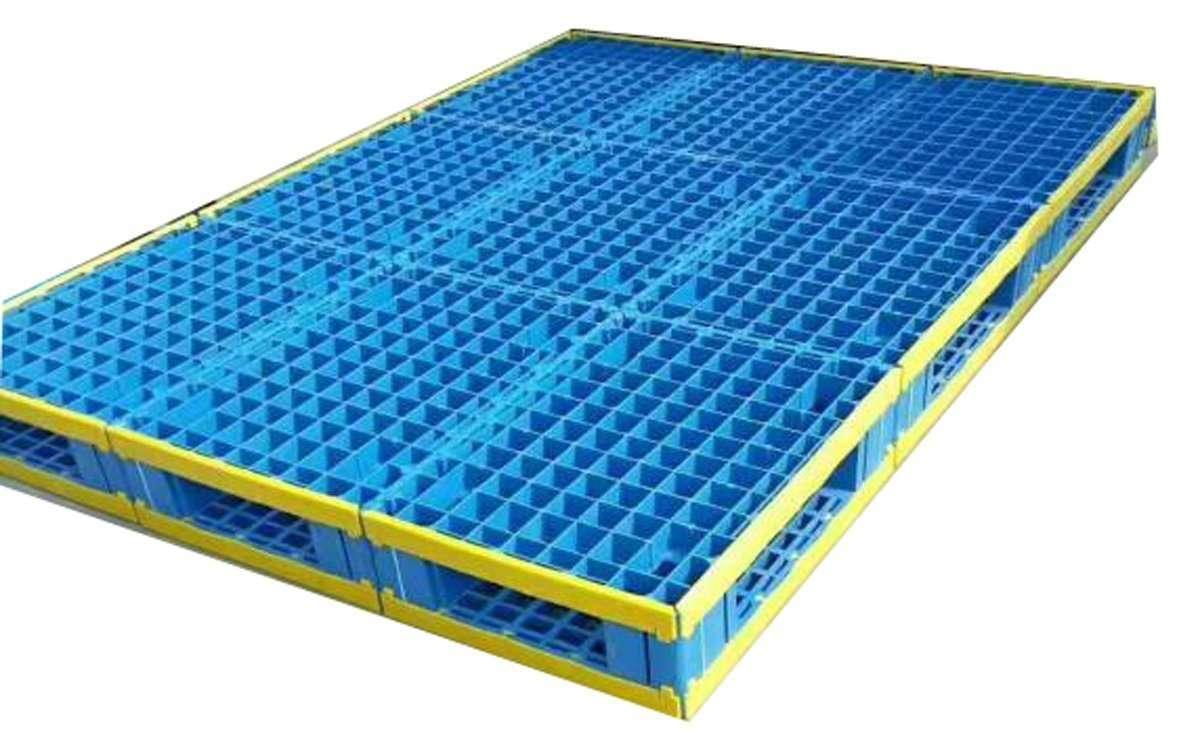 Reversible assemble plastic pallets