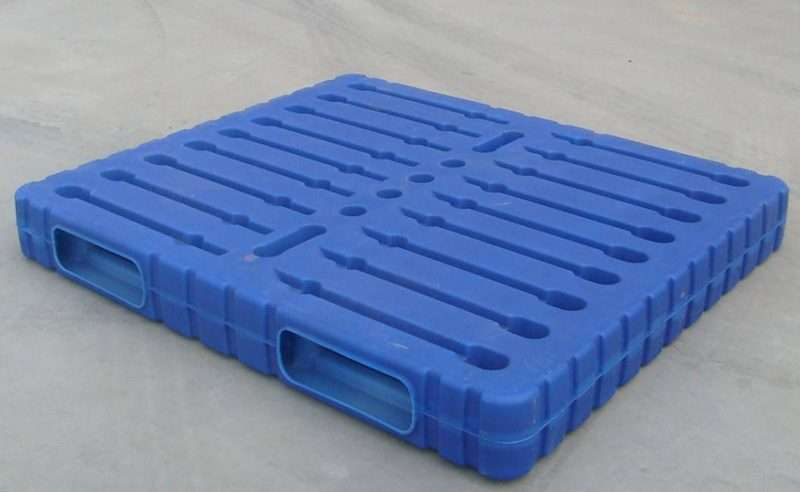 One way entry plastic pallets stack able