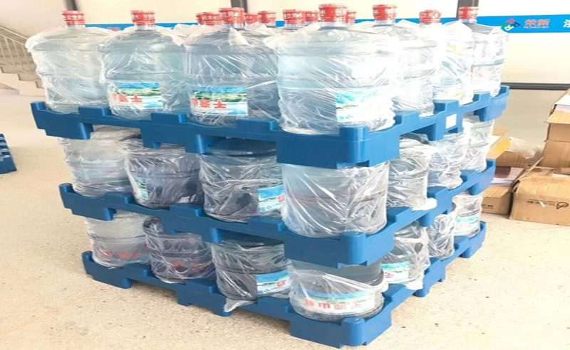 water bottles plastic pallets application