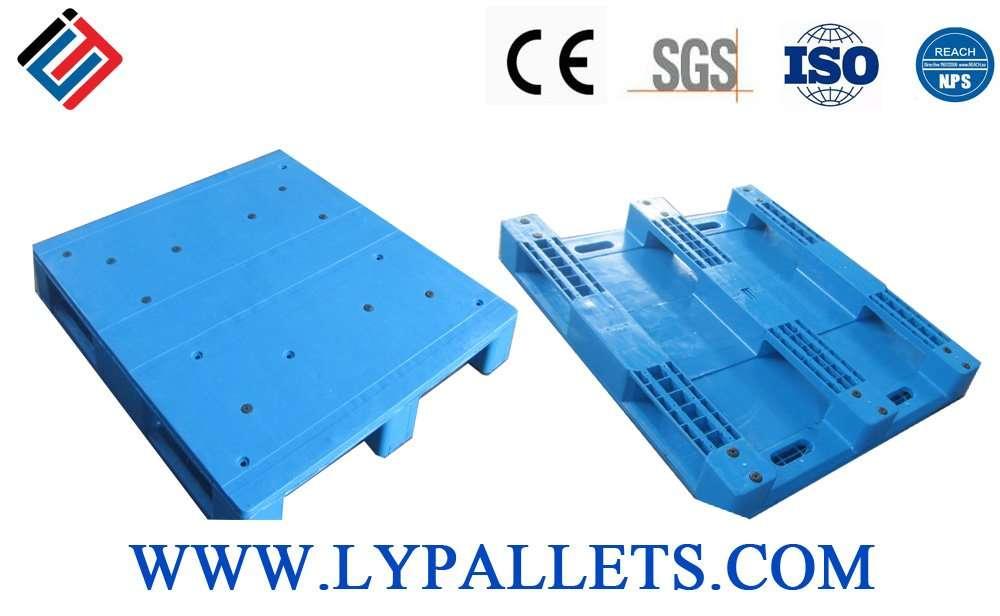 Durable flat plastic pallets 120x130 cm