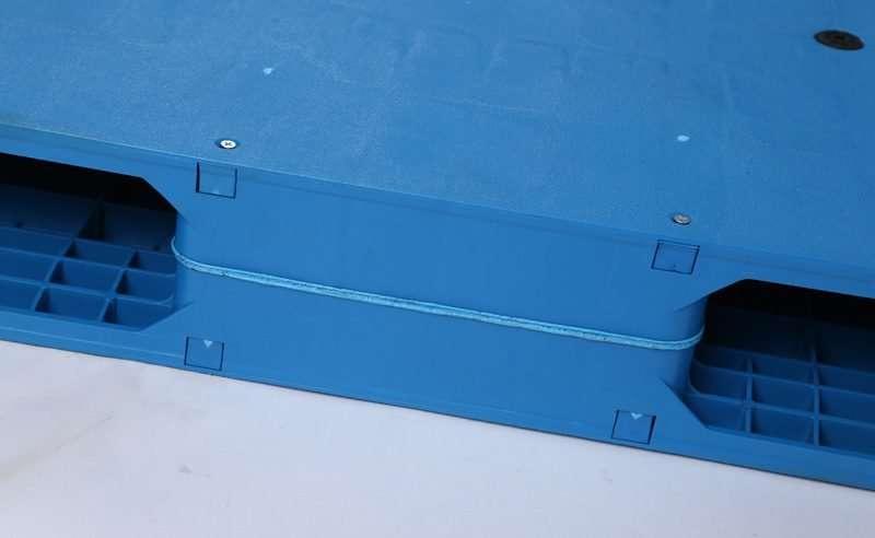 Durable reversible flat plastic pallets 110x130