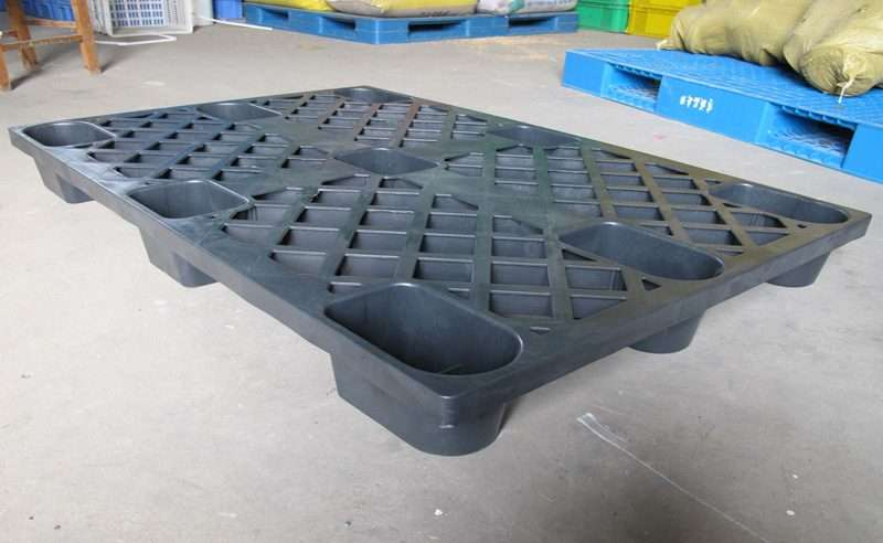 NESTABLE PLASTIC PALLETS 110x120 cm