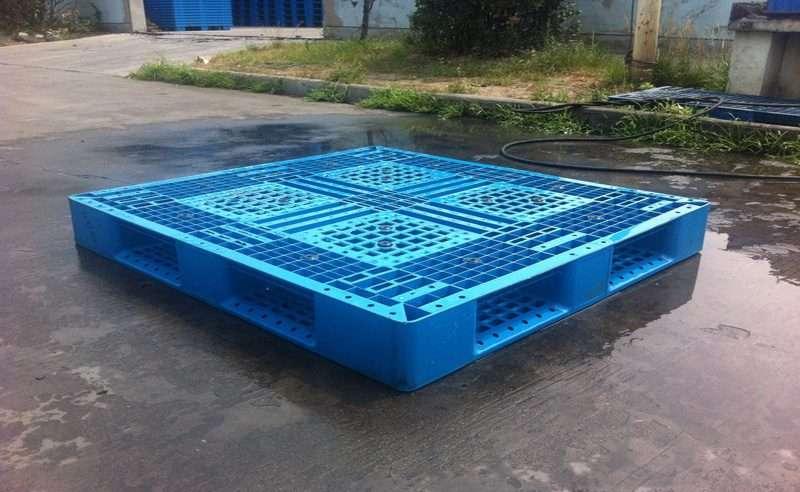 PLASTIC PALLETS 110x120 perimeter base