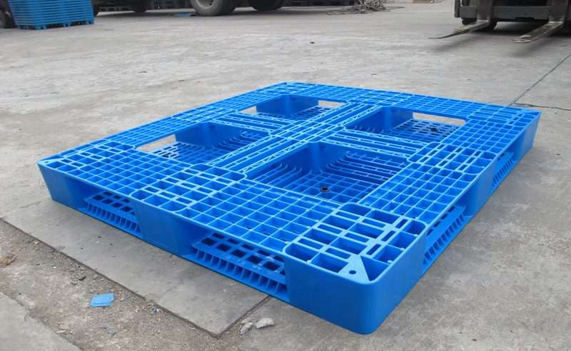PLASTIC PALLETS 1200x1100 perimeter base
