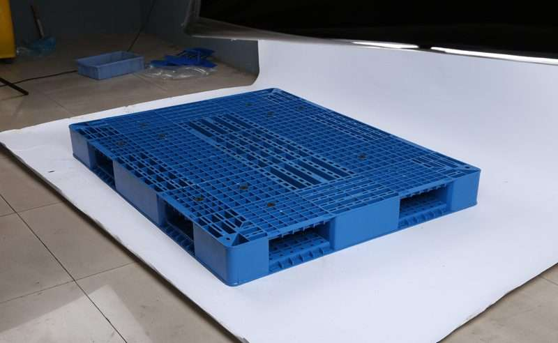 PLASTIC PALLETS DOUBLE FACED 110x140