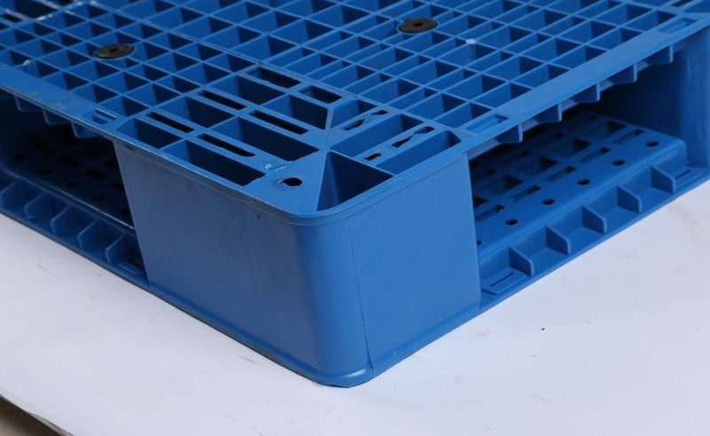PLASTIC PALLETS DOUBLE FACED 1400x1100