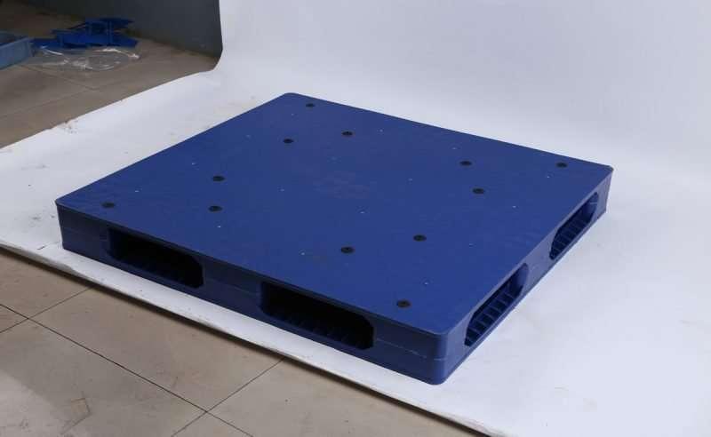 PLASTIC PALLETS FLAT reversible 110x120