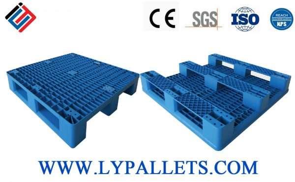 Plastic pallets 100x100 cm