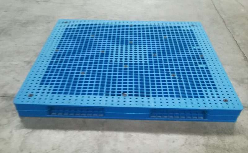 PLASTIC PALLETS reversible 1500x1500