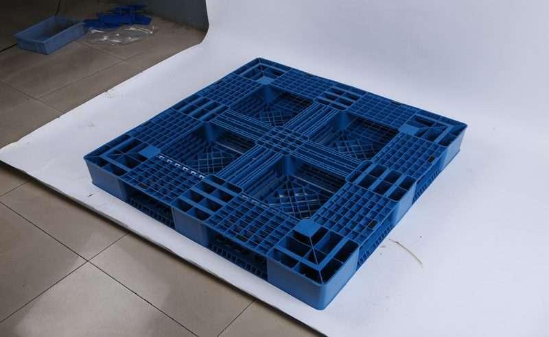 Perimeter PLASTIC PALLETS 120x120