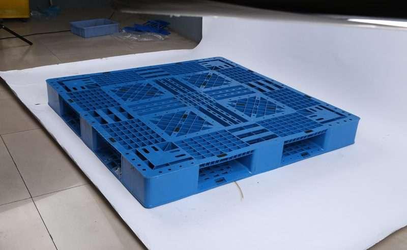 Perimeter PLASTIC PALLETS 1,2x1,2