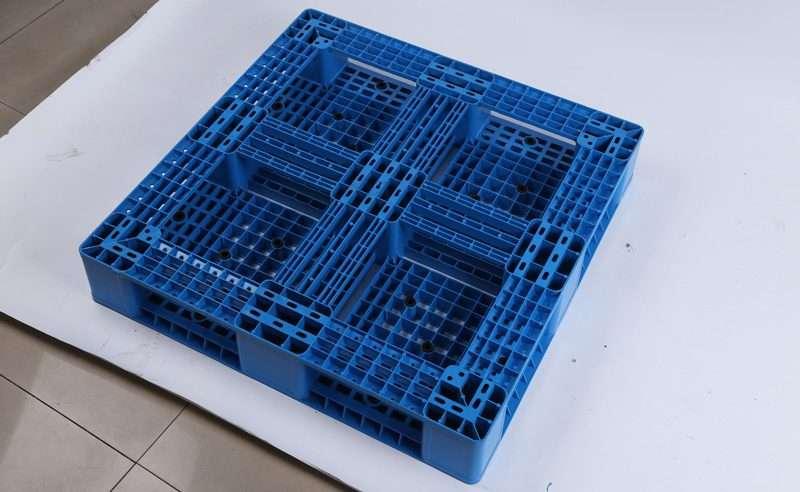 perimeter base plastic pallets 100x100 cm