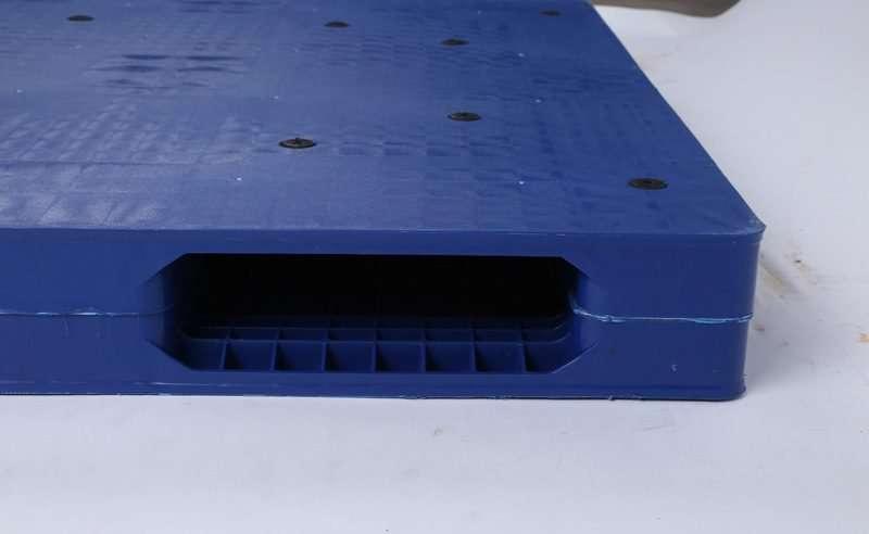 Reversible plastic pallets 1200x1100