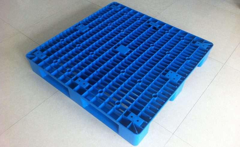 PLASTIC PALLETS 1000x1000