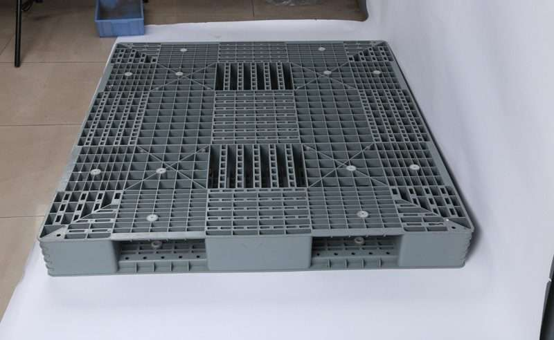 china PLASTIC PALLETS 120x140 cm