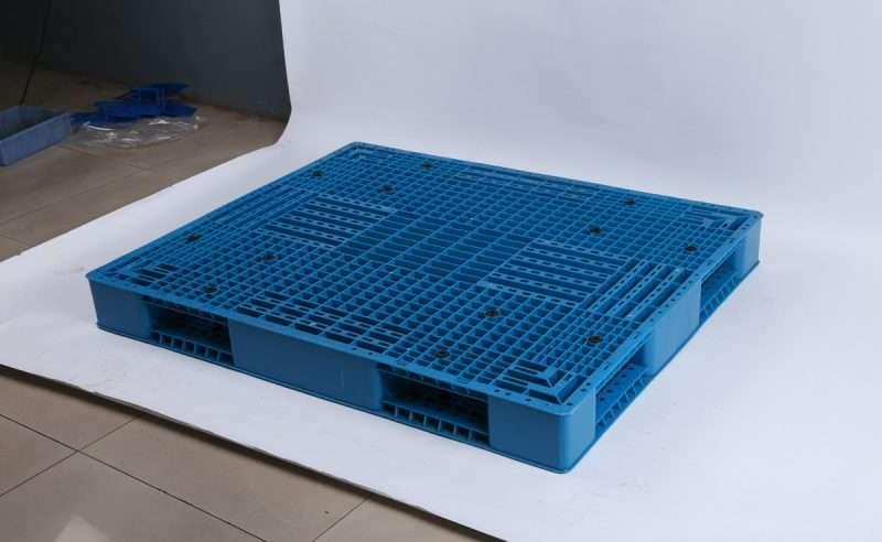reversible PLASTIC PALLETS 110x130