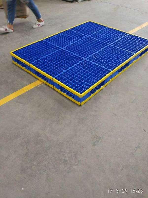 Super large reversible plastic pallets