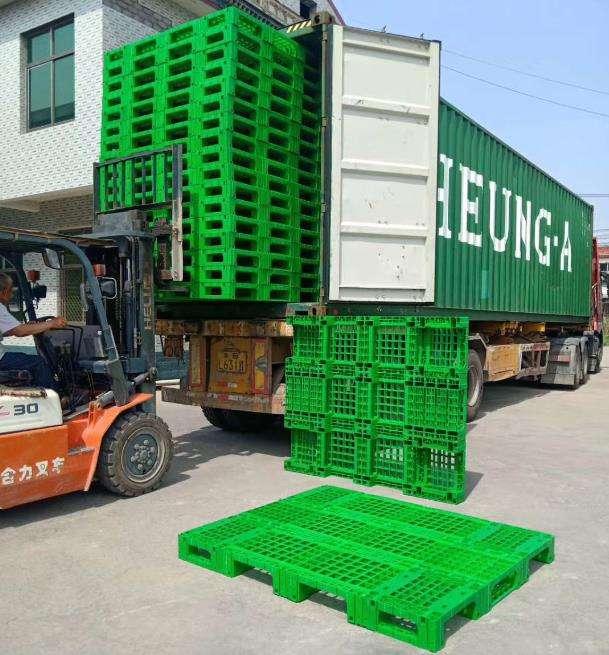 1800 x 1500 plastic pallet