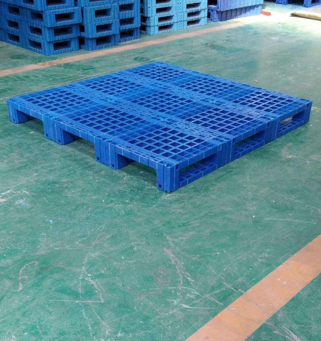 1800 x 1600 super large plastic pallet