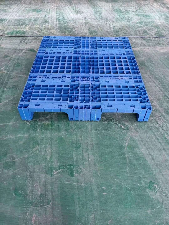 1800 x 1600 plastic pallet